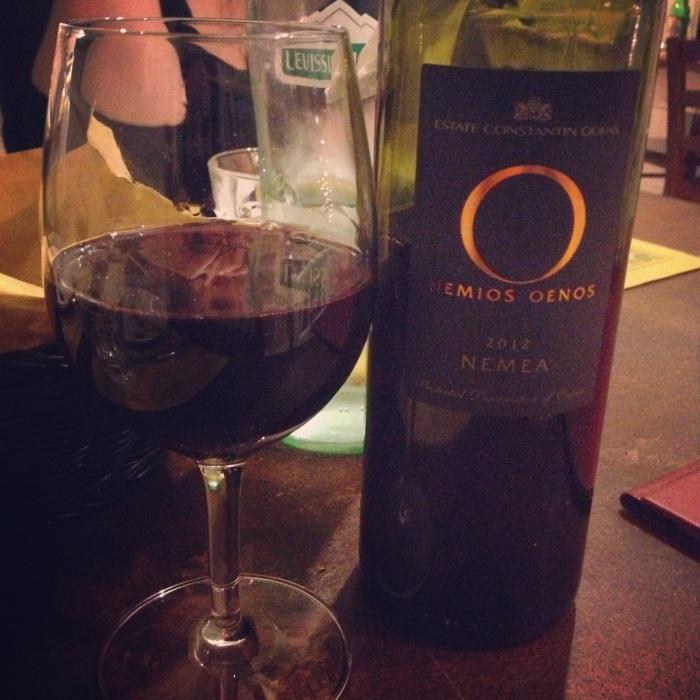 vino rosso greco