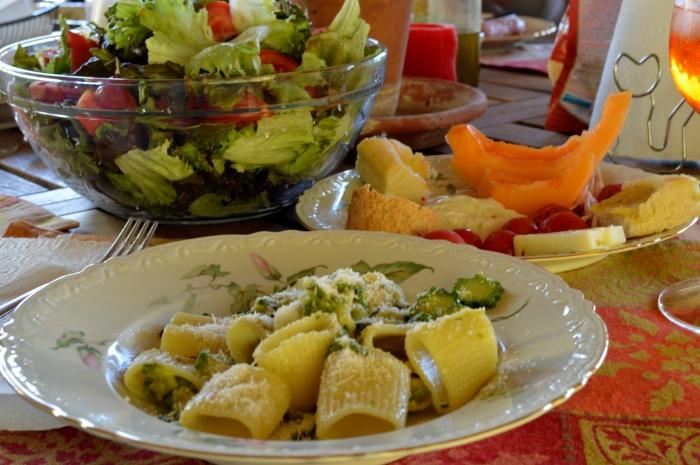 pasta con zucchine e fiori di zucchina