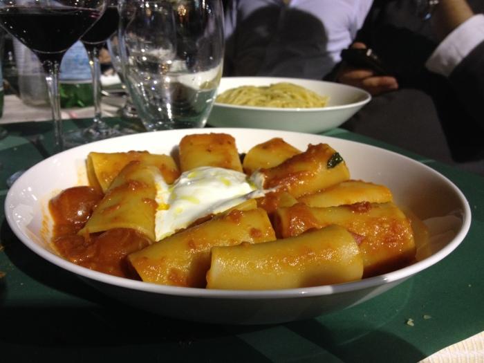 """Paccheri di Gragnano  """" selezione Pastificio dei Campi"""" con  pummarola basilico  e stracciatella di bufala"""